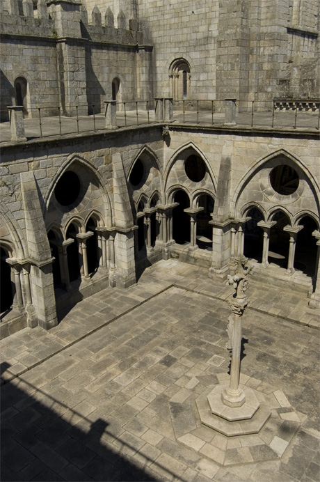 Cloister of Se Cathedral Porto photo