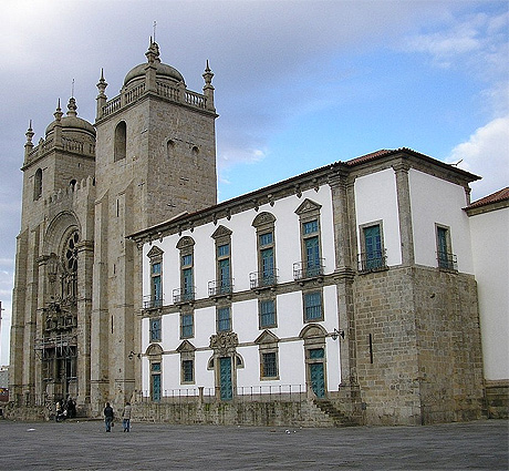 Main facade of Porto Cathedral